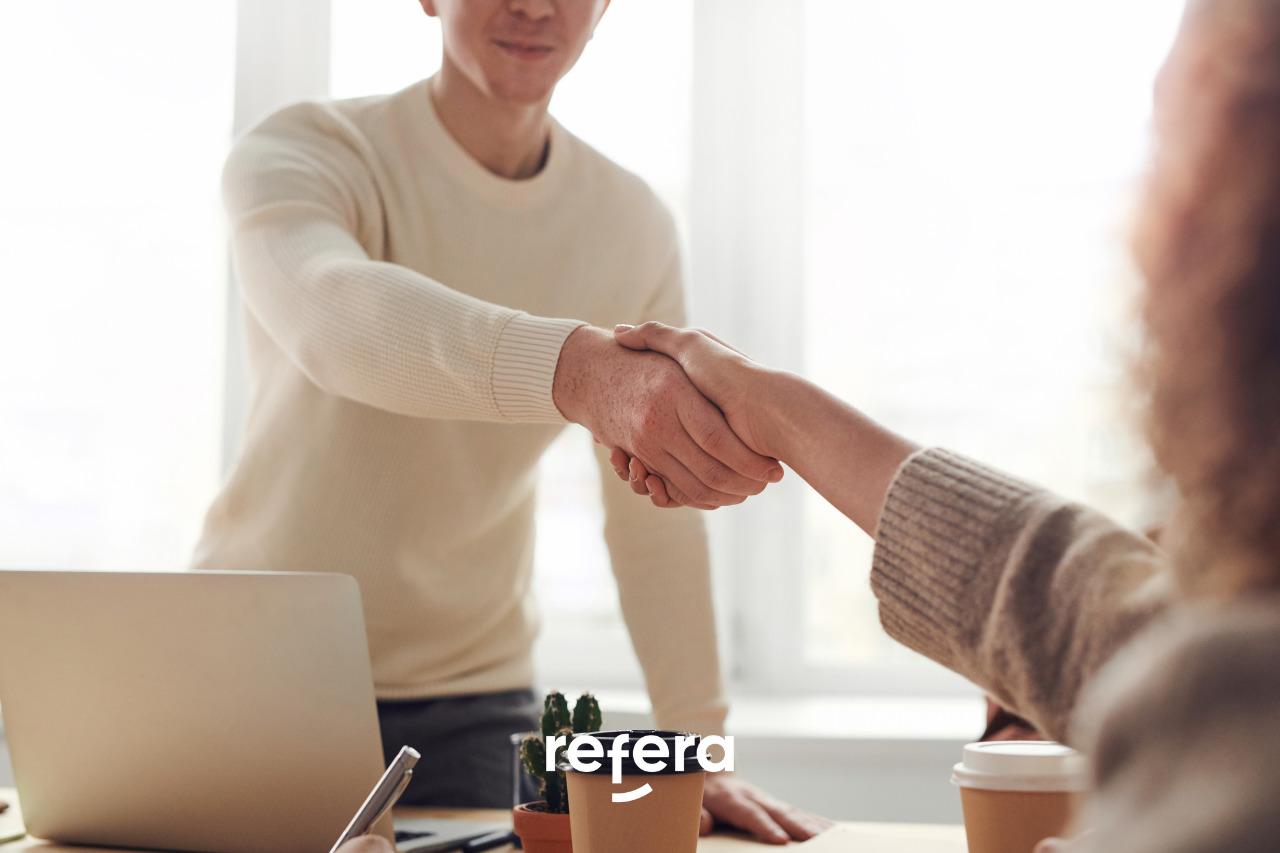 Capa do artigo sobre como adquirir mais clientes para um negócio autônomo
